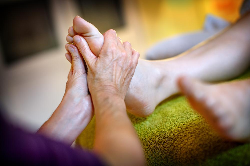 Wat kunnen voetreflextherapie & massage als ondersteuning voor jou betekenen bij de diagnose kanker ?